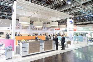 The attractive Stiegelmeyer stand in Düsseldorf is an inviting place for informative discussions.