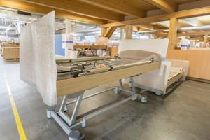 The homelike Venta care bed is produced in Nordhausen.