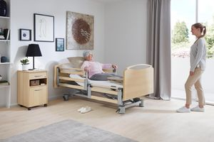The new Libra with split safety sides and the Vario Safe system offers great flexibility in everyday nursing care.