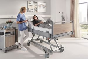 If the Puro is raised to hip height, nurses adopt an ergonomic upright posture automatically.