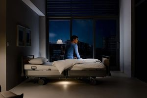 The optional out-of-bed system will turn on a bedside light as desired when the patient gets up.