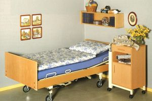 Burmeier had hardly joined the Stiegelmeyer-Group when the company, as a wood manufacturer, helped to satisfy the large demand for care beds in the new German Bundesländer. The model 5020 was particularly successful in this regard.