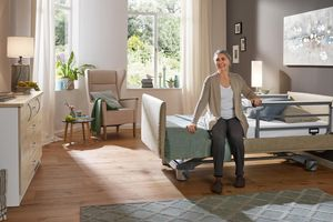 Modern safety sides such as those of our Venta care bed leave the residents space for unhindered entry and exit.